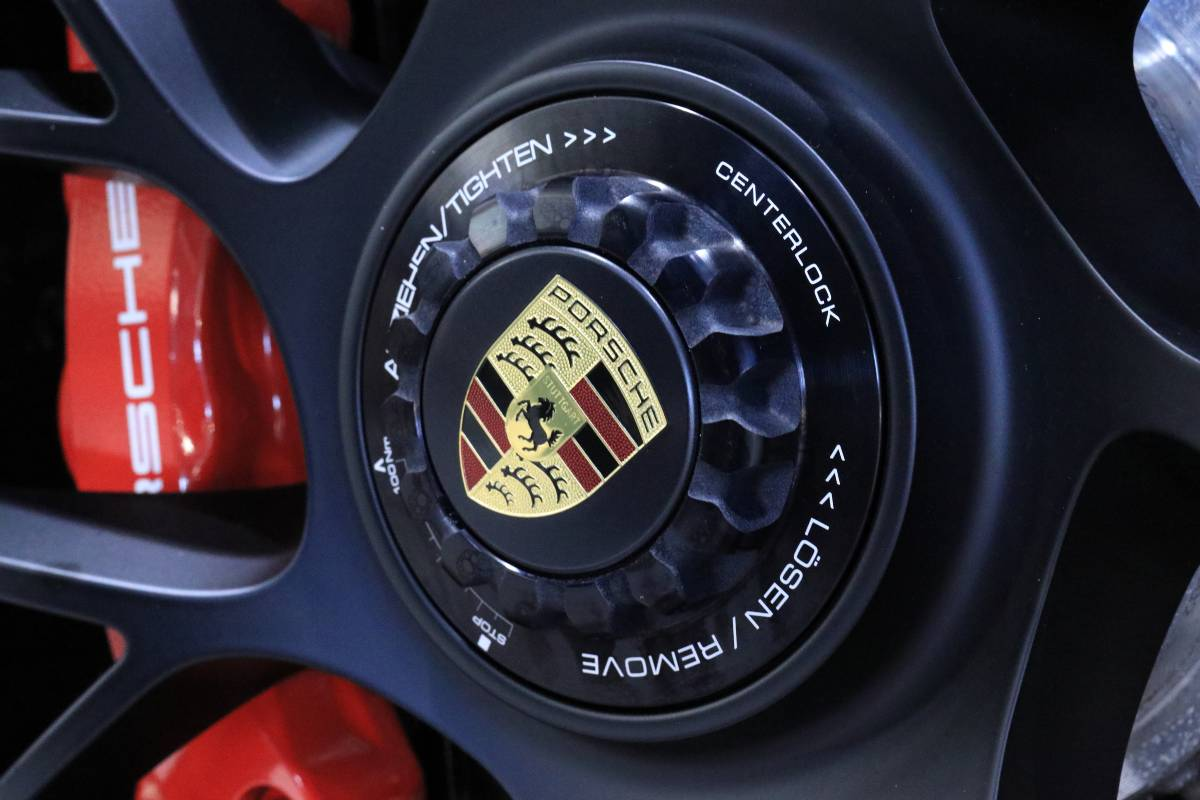 911 RS Brakes Red